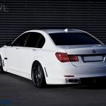پشت BMW 760Li